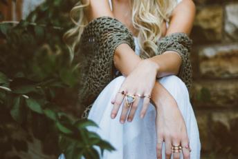 Osez les bijoux fantaisie pour un look unique