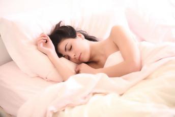 Femme dort